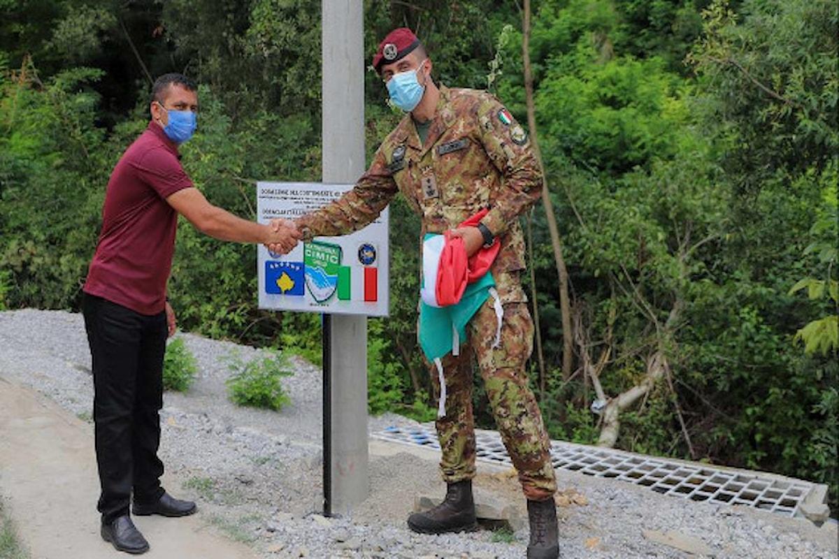 Kosovo I Paracadutisti della Folgore effettuano donazioni a favore della popolazione