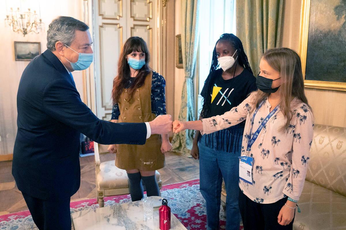 Il premier Draghi allo Youth4Climate incontra Greta Thunberg, Vanessa Nakate e Martina Comparelli