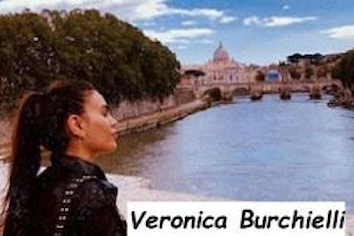 Veronica Burchielli con le telecamere di Uomini e donne a Napoli ad incontrare Alessandro Zarino