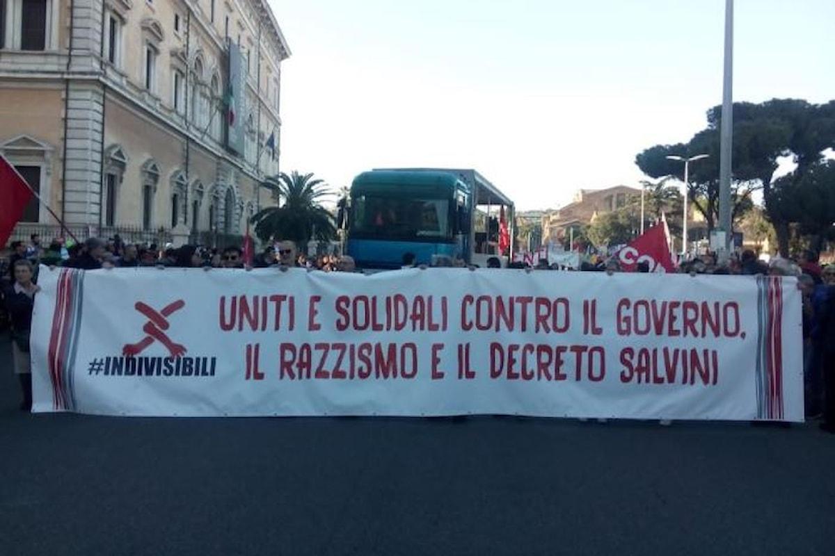 #Indivisibili. Da tutta Italia migliaia di persone si sono date appuntamento a Roma contro il decreto sicurezza di Salvini
