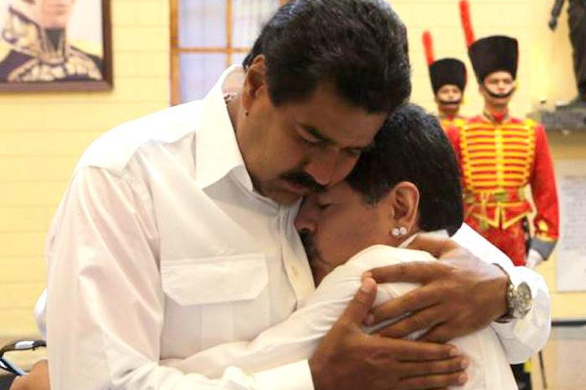 Maradona chavista difende Maduro e la sua rivoluzione