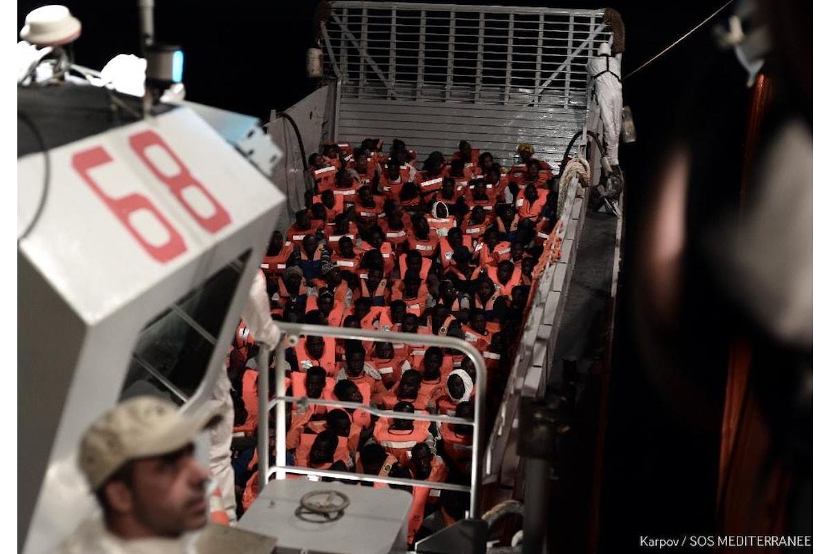 Salvini chiude i porti italiani alle navi con migranti a bordo. 629 persone sono in attesa di sapere dove sbarcare