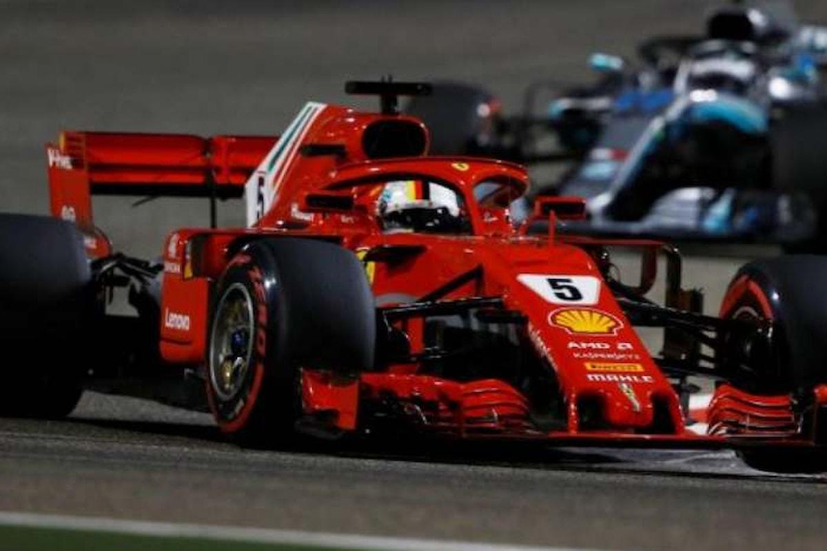 In Bahrain Vettel tenta il tutto per tutto e vince su Bottas, terzo Hamilton