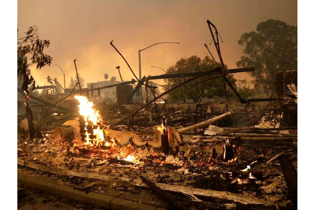 Un enorme incendio ha causato numerosi morti e danni devastanti nelle contee di Napa e Sonoma in California