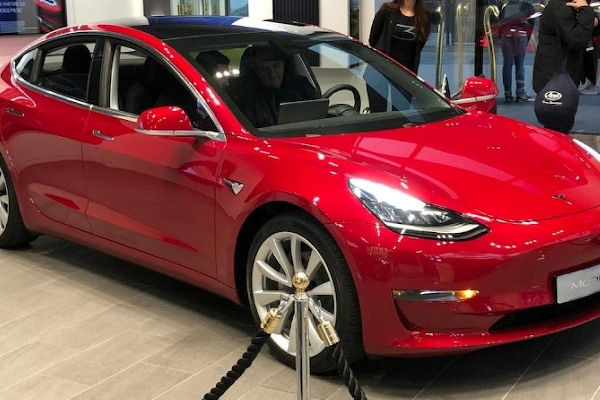 Tesla Model 3 atterrata nel nostro Paese!