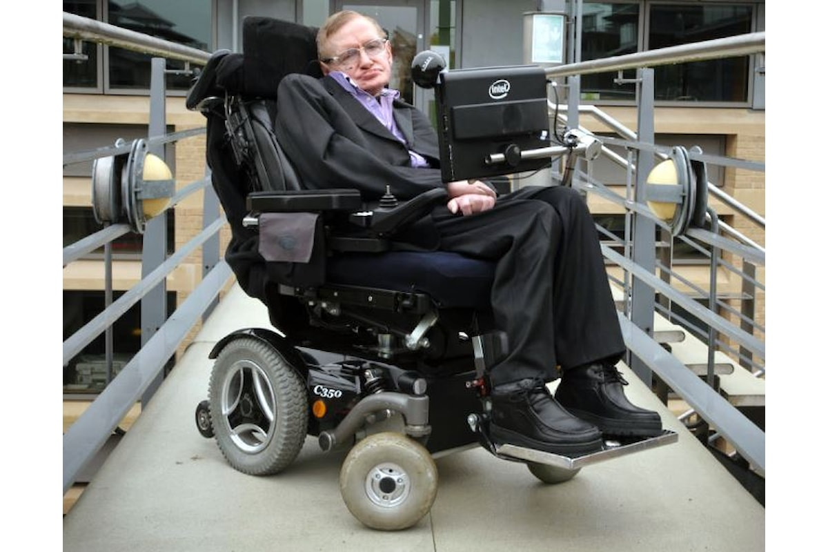 On the Shoulders of Giants, venduta per 350mila euro la sedia a rotelle di Stephen Hawking