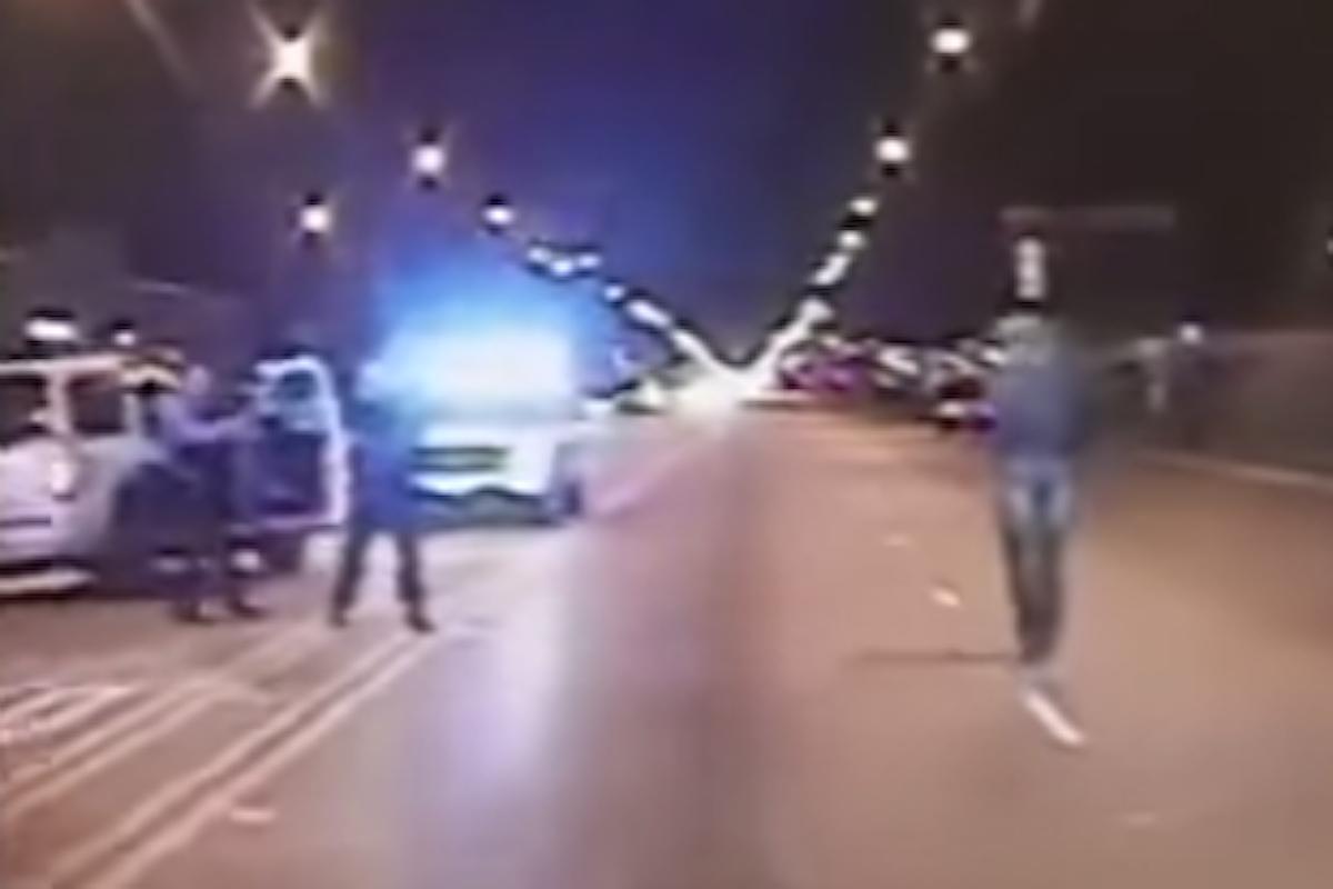 CHICAGO: RAGAZZO AFROAMERICANO DISARMATO UCCISO DALLA POLIZIA