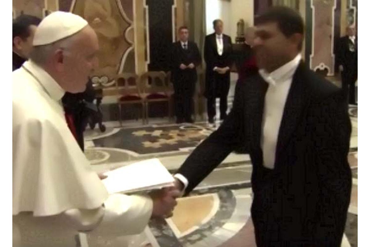 Di nuovo, Papa Francesco parla di pace e condanna le scandalose spese per gli armamenti