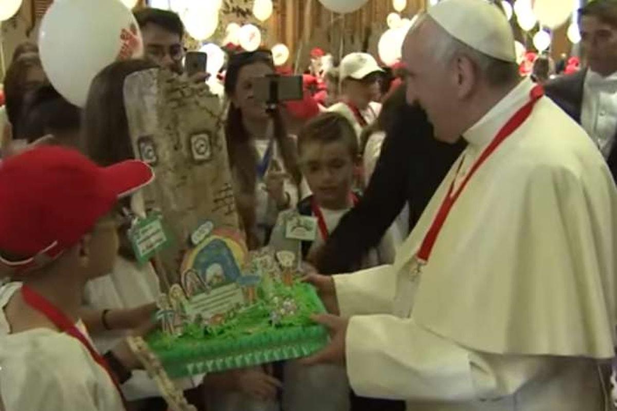 L'incontro del Papa con i bambini terremotati in occasione dell'iniziativa Il Treno dei Bambini