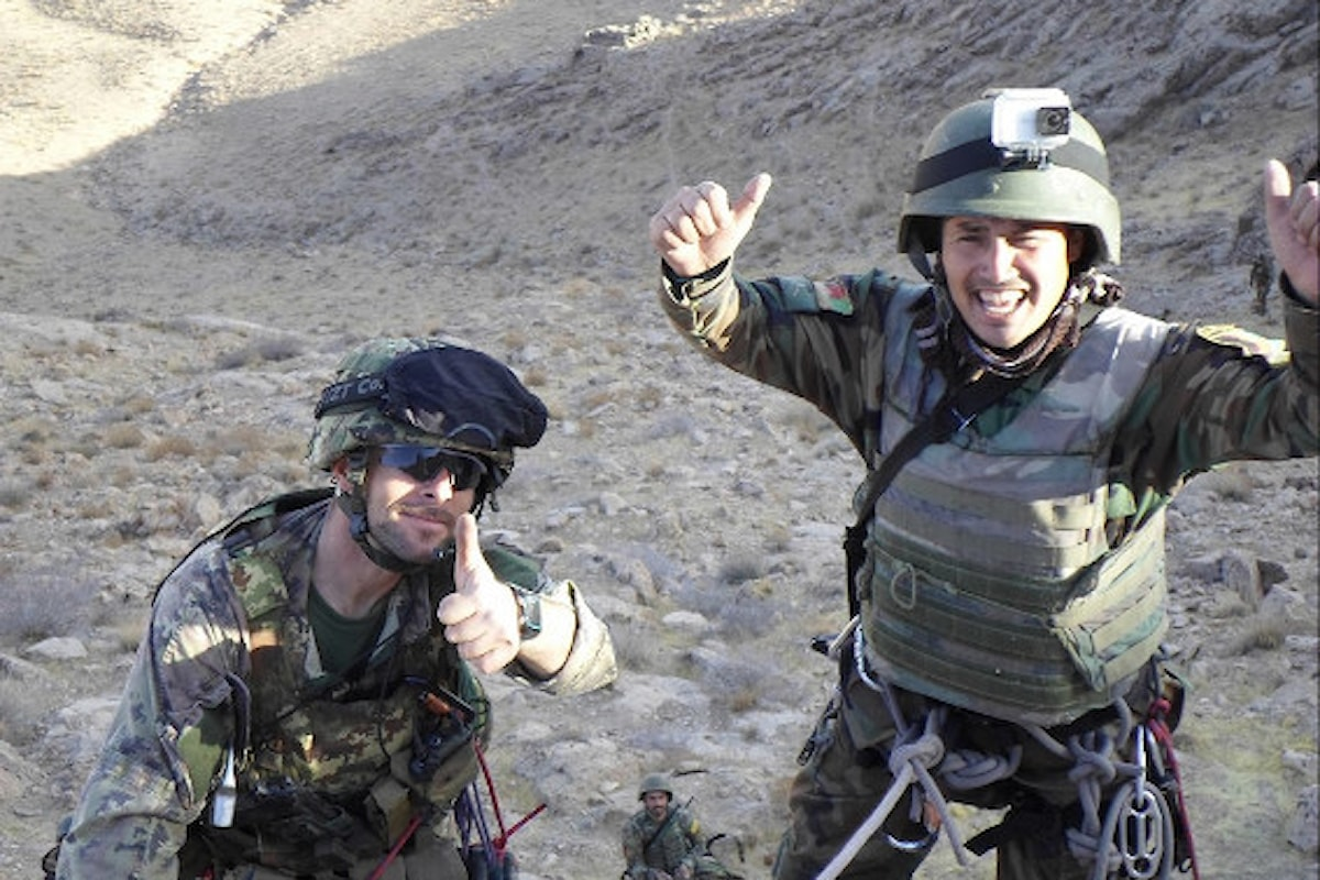 Afghanistan, militari italiani addestrano militari afgani al combattimento montano