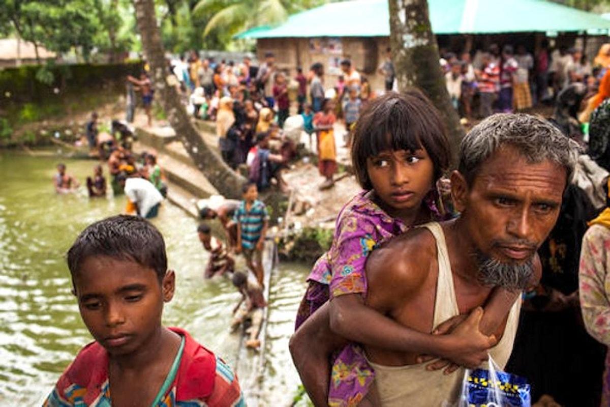 Unicef sui bambini rohingya rifugiati: da agosto oltre 320.000 sono fuggiti dal Myanmar in Bangladesh
