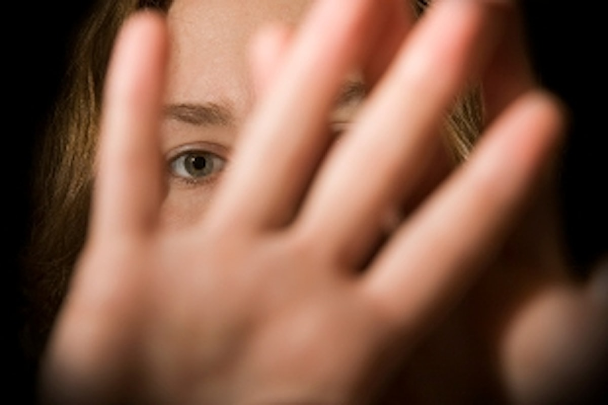 SI UCCIDE LANCIANDOSI DAL 6° PIANO - Contro di lui accuse di violenze sessuali su minori