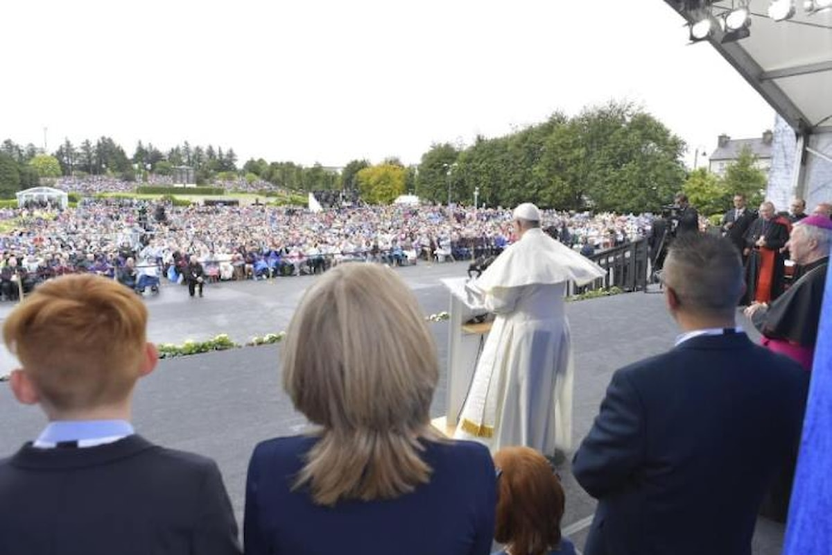 Nell'Angelus dal santuario di Knock il Papa ha di nuovo chiesto perdono per gli abusi commessi da membri della Chiesa