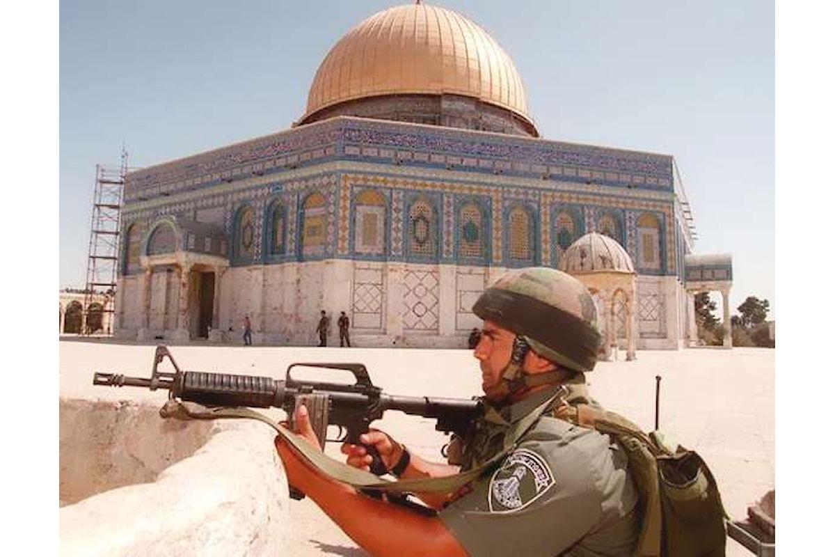 Netanyahu ordina di mantenere i metal detector all'ingresso della Spianata delle moschee