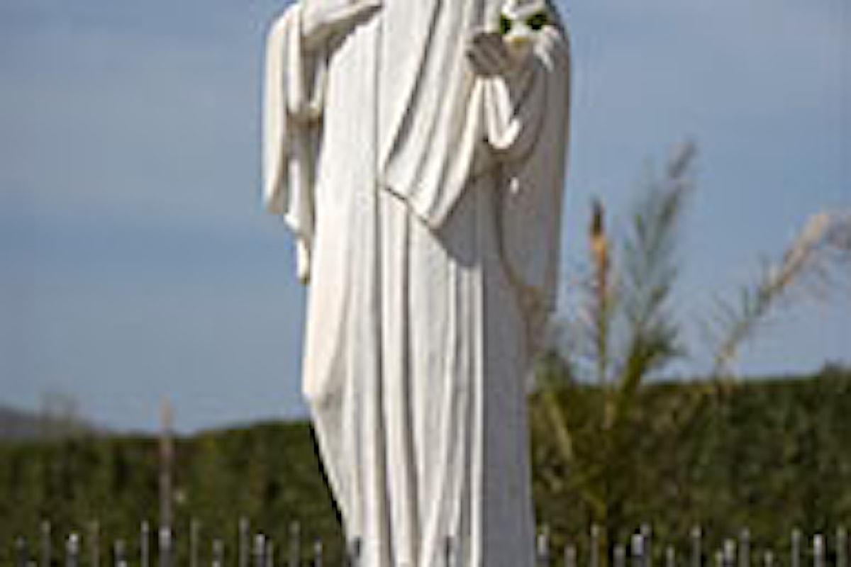 Pagina sulla Madonna di Medjugorie: Il terremoto è avvenuto per colpa dei matrimoni gay e dell'utero in affitto, la natura si ribella