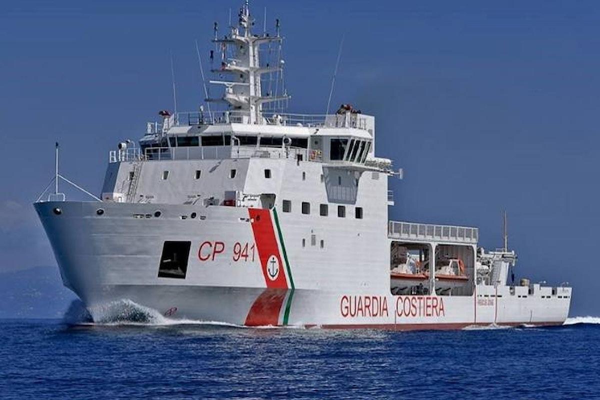 Salvini minaccia di vietare l'attracco in Italia alla nave della Guardia Costiera Diciotti