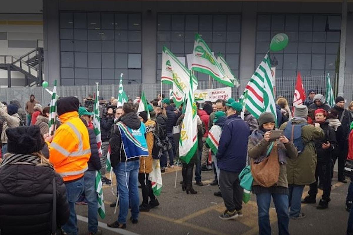 Il venerdì nero di Amazon con lo sciopero di quasi il 60% dei dipendenti dello stabilimento di Piacenza