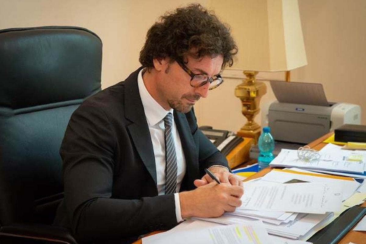 La lista degli indagati per il collo di Genova chiama in causa anche il distratto Toninelli