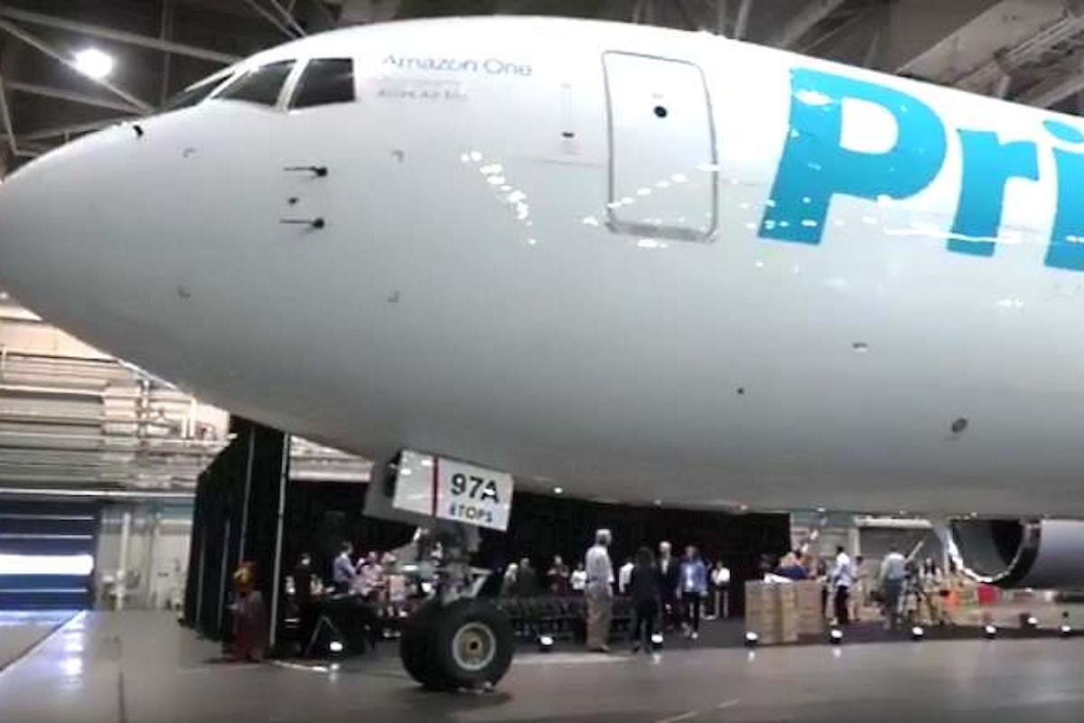 Amazon inaugura il primo aereo della sua nuova flotta cargo