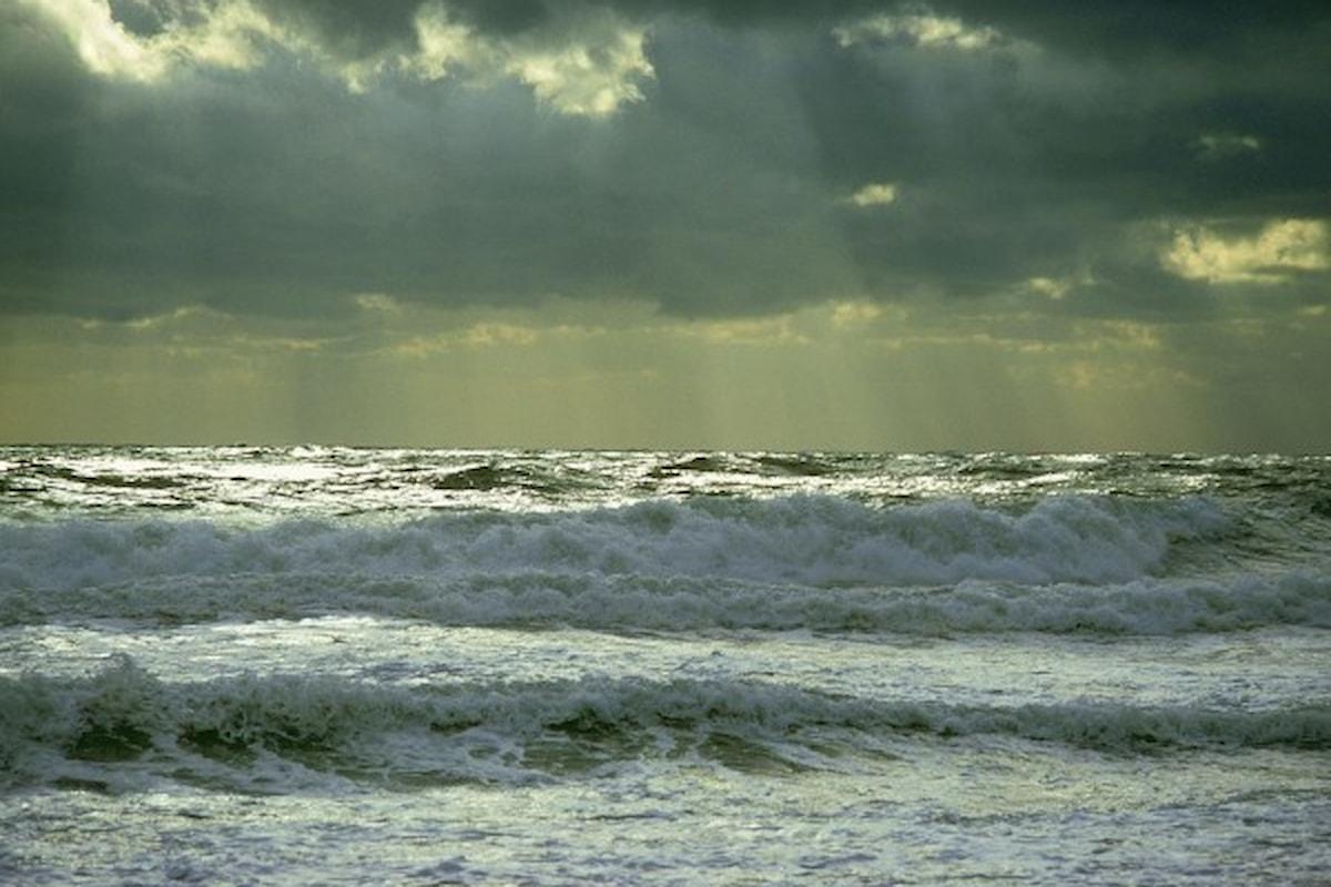 Incuranti del mare agitato rischiano di annegare, è successo nel Cilento
